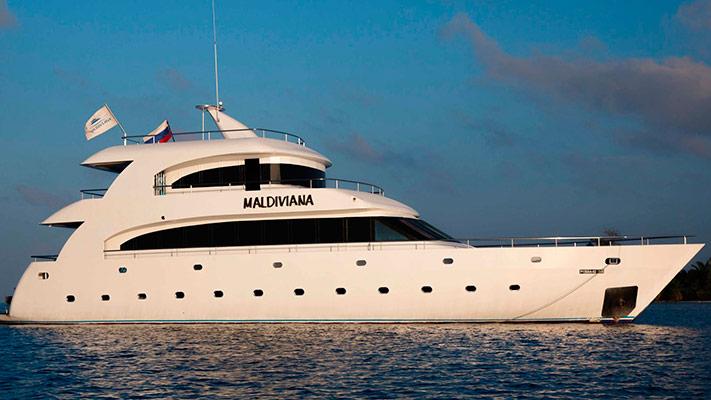 Яхта Мальдивиана_1_cr