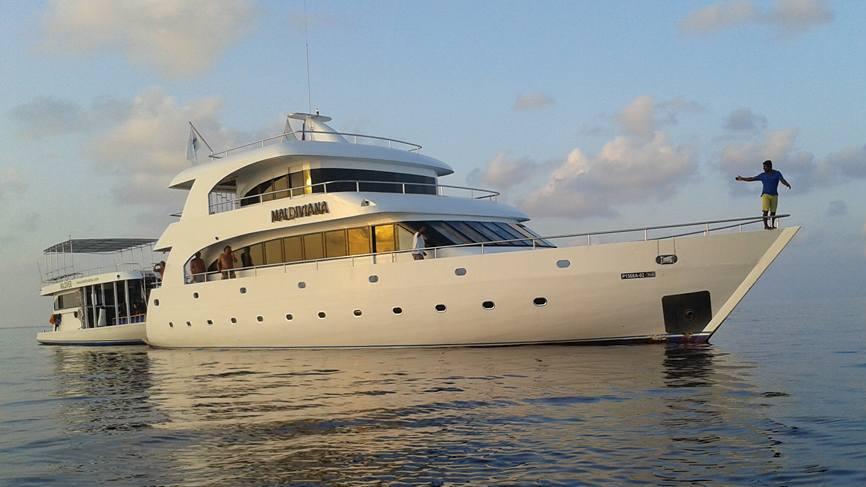 Яхта Мальдивиана_2_cr